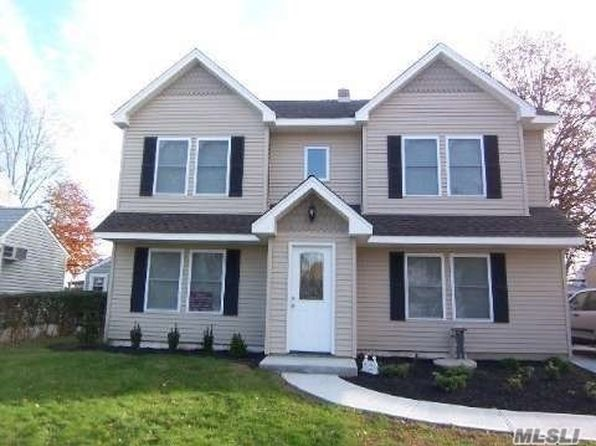 4 bed 2 bath Single Family at Undisclosed Address Levittown, NY, 11756 is for sale at 575k - google static map
