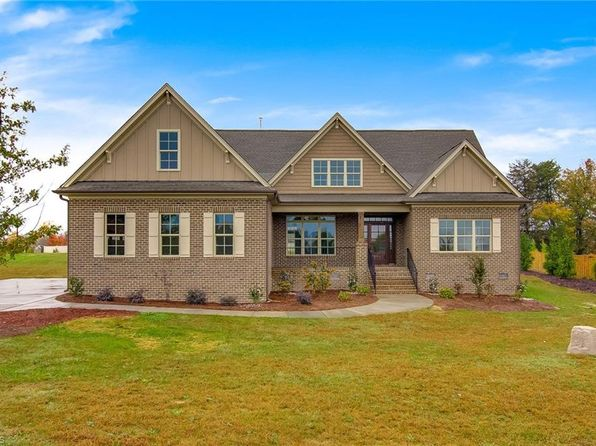 4 bed 3 bath Single Family at 5701 Oakhurst Downs Dr Oak Ridge, NC, 27310 is for sale at 400k - 1 of 30