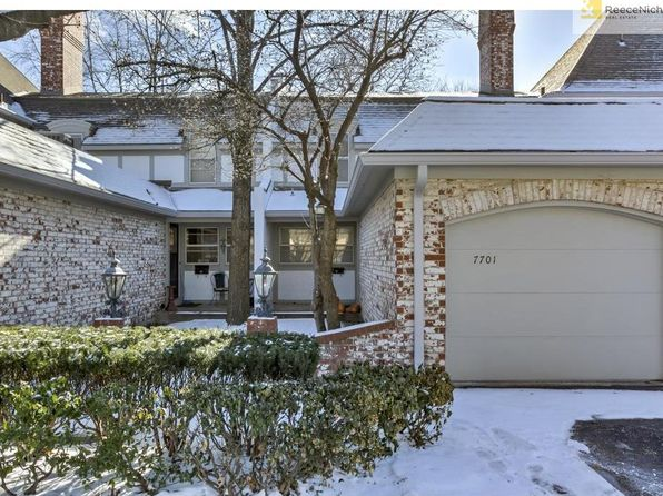 2 bed 2 bath Townhouse at 7701 W 102nd St Overland Park, KS, 66212 is for sale at 140k - 1 of 25