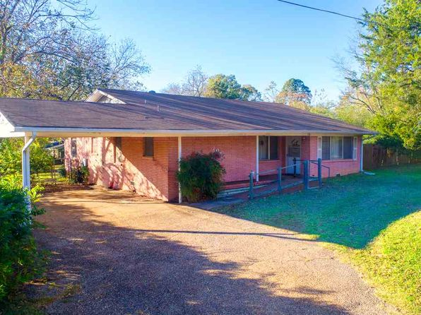 2 bed 2 bath Single Family at 701 N MOTLEY DR OVERTON, TX, 75684 is for sale at 140k - 1 of 23