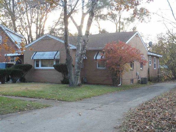 3 bed 2 bath Single Family at 412 Bayliss Ave Rockford, IL, 61101 is for sale at 32k - 1 of 11