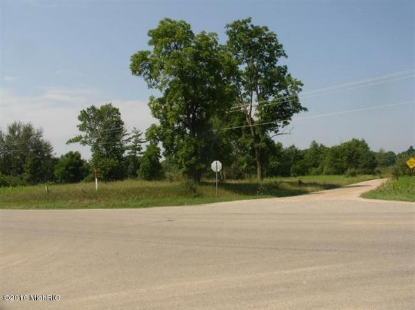 null bed null bath Vacant Land at 1577 N Evergreen White Cloud, MI, 49349 is for sale at 275k - 1 of 15