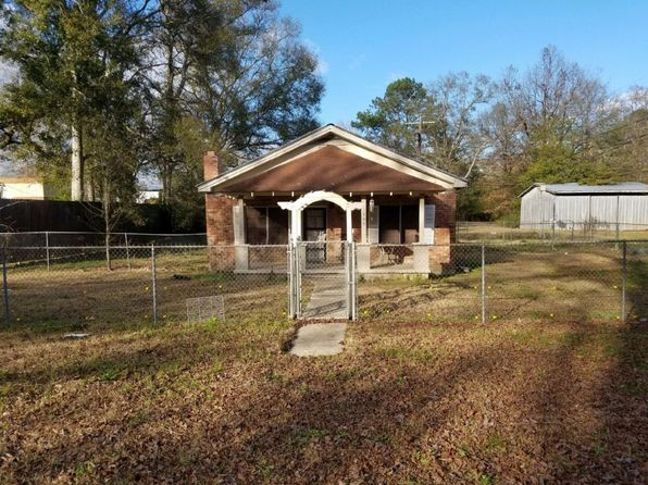 2 bed 2 bath Single Family at 1309 Sycamore St Jackson, LA, 70748 is for sale at 56k - 1 of 7