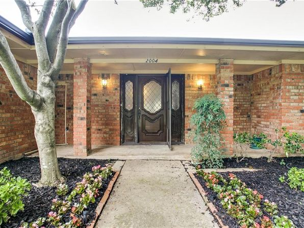 3 bed 3 bath Single Family at 2004 Midcrest Dr Plano, TX, 75075 is for sale at 300k - 1 of 18