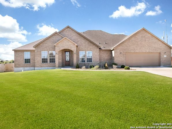 4 bed 3 bath Single Family at 132 Ridgecrest Floresville, TX, 78114 is for sale at 339k - 1 of 25