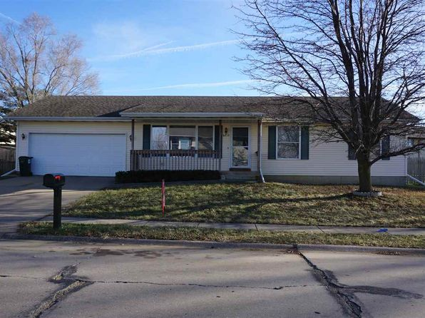 3 bed 1 bath Single Family at 6215 Appomattox Rd Davenport, IA, 52806 is for sale at 125k - 1 of 12