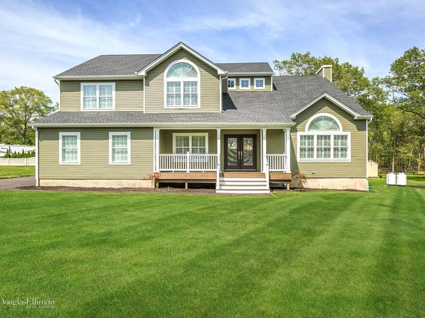 4 bed 3 bath Single Family at 63 E Margin Rd Ridge, NY, 11961 is for sale at 599k - 1 of 24