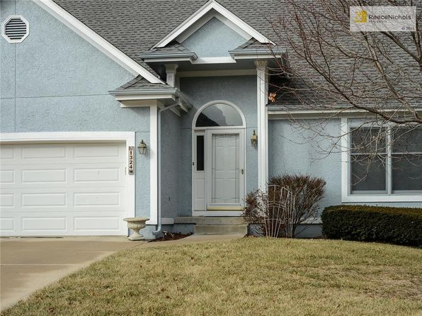 4 bed 3 bath Single Family at 1324 SW CROSSING DR LEES SUMMIT, MO, 64081 is for sale at 260k - 1 of 18