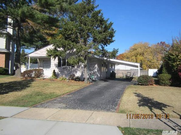 3 bed 1 bath Single Family at 85 Candy Ln Syosset, NY, 11791 is for sale at 460k - 1 of 5