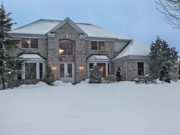 4 bed 3 bath Single Family at Undisclosed Address Nesconset, NY, 11767 is for sale at 900k - 1 of 26