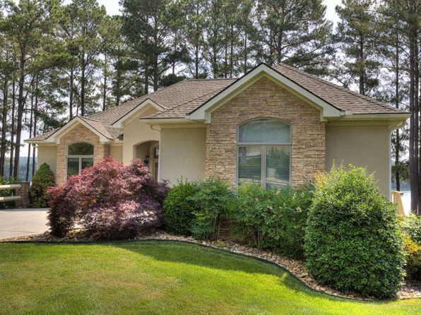 3 bed 4 bath Single Family at 212 Tanasi Lagoon Dr Loudon, TN, 37774 is for sale at 750k - 1 of 58