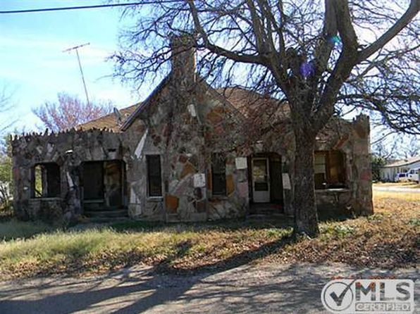 2 bed 3 bath Single Family at 200 E Kidd Iredell, TX, 76649 is for sale at 25k - 1 of 13