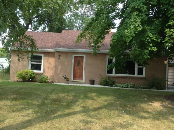 2 bed 1 bath Single Family at 130 W Freistadt Rd Thiensville, WI, 53092 is for sale at 175k - 1 of 28