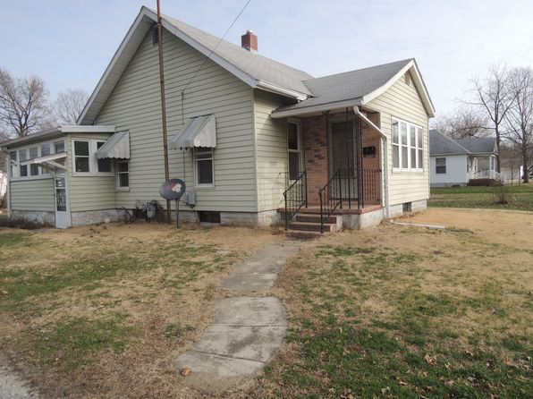 2 bed 1 bath Single Family at 1003 E Main St Greenville, IL, 62246 is for sale at 59k - google static map