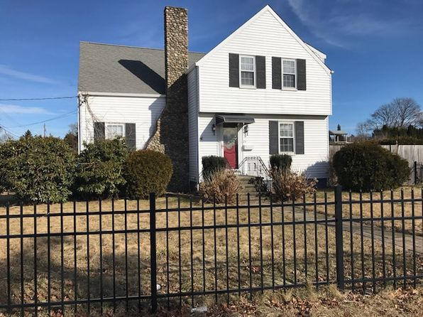 3 bed 2 bath Single Family at 29 SCONTICUT NECK RD FAIRHAVEN, MA, 02719 is for sale at 275k - 1 of 17