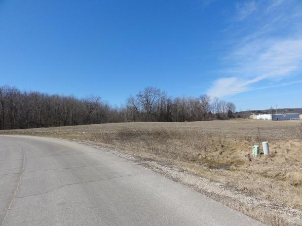 null bed null bath Vacant Land at 4272 N Woodcrest Ridge Dr West Bend, WI, 53095 is for sale at 225k - 1 of 3