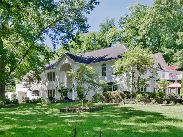 4 bed 5 bath Single Family at 1965 Schoettler Rd Chesterfield, MO, 63017 is for sale at 1.40m - 1 of 72