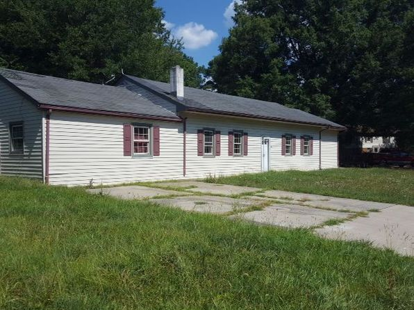 4 bed 1 bath Single Family at 101 Forrest Dr Blackstone, VA, 23824 is for sale at 40k - 1 of 5