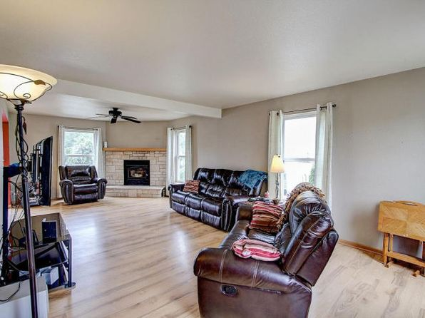 4 bed 3 bath Single Family at 8861 S Carrollville Cir Oak Creek, WI, 53154 is for sale at 310k - 1 of 8