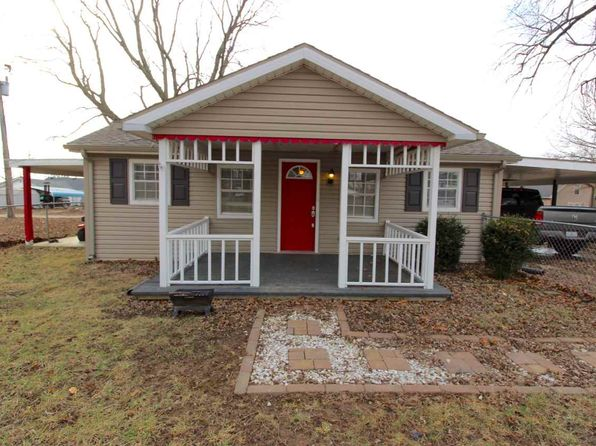 2 bed 1 bath Single Family at 1005 1/2 S CENTER ST FORT BRANCH, IN, 47648 is for sale at 70k - 1 of 11