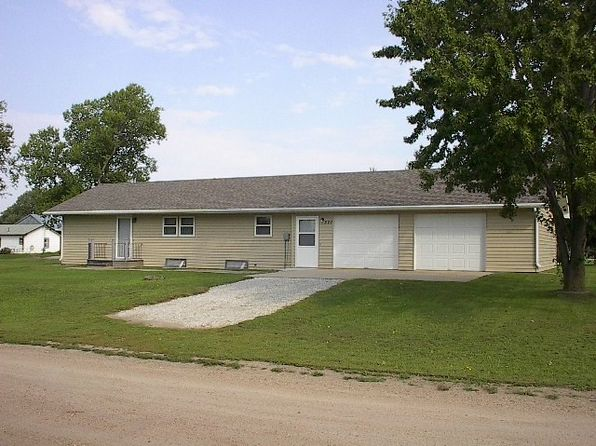 1 bed 2 bath Single Family at 501 E Pilcher Ave Plainview, NE, 68769 is for sale at 70k - 1 of 26