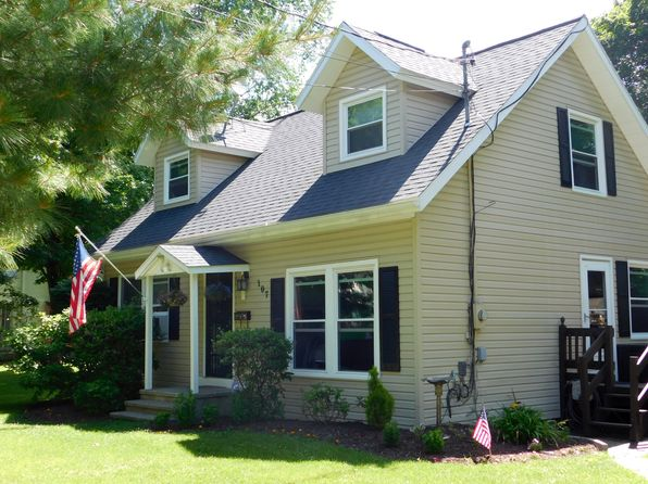 3 bed 2 bath Single Family at 107 Lincoln Dr Vestal, NY, 13850 is for sale at 128k - 1 of 34