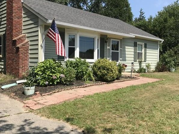 3 bed 1 bath Single Family at 33 Anderson Dr Marshfield, MA, 02050 is for sale at 319k - 1 of 12