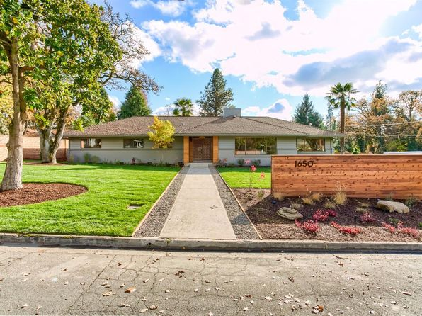 4 bed 3 bath Single Family at 1650 Crown Ave Medford, OR, 97504 is for sale at 569k - 1 of 33