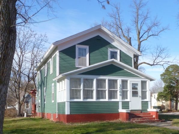 3 bed 2 bath Single Family at 1364 3rd Ave Windom, MN, 56101 is for sale at 60k - google static map