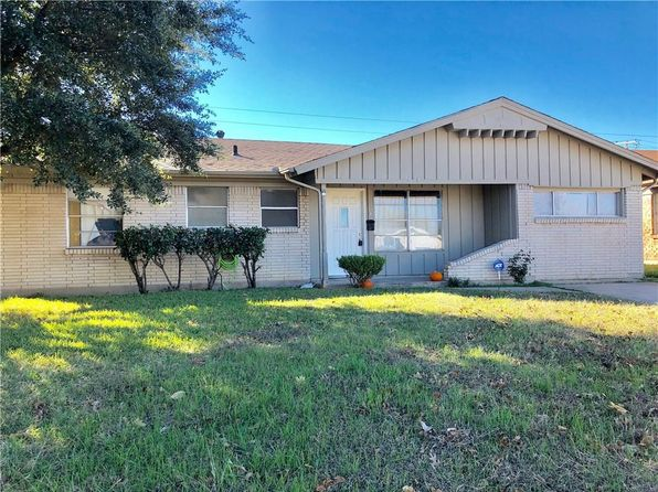 3 bed 2 bath Single Family at 2606 Brady Ln Grand Prairie, TX, 75052 is for sale at 130k - 1 of 18