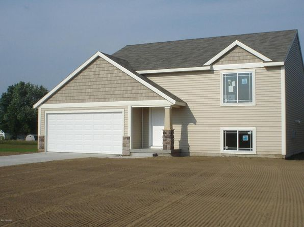 3 bed 2 bath Single Family at  Ivy Ln Middleville, MI, 49333 is for sale at 190k - 1 of 12