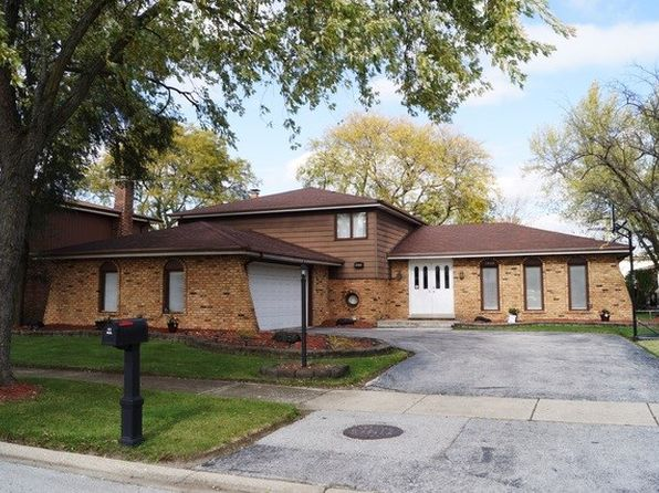 3 bed 3 bath Single Family at 1010 E 192nd Pl Glenwood, IL, 60425 is for sale at 185k - 1 of 26