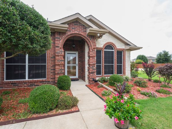 4 bed 2 bath Single Family at 3030 Stoney Hollow Ln Rockwall, TX, 75087 is for sale at 284k - 1 of 26