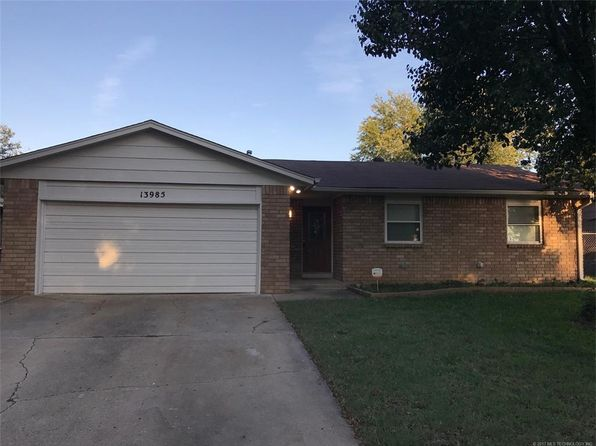 4 bed 3 bath Single Family at 13985 S Hickory St Glenpool, OK, 74033 is for sale at 126k - 1 of 7