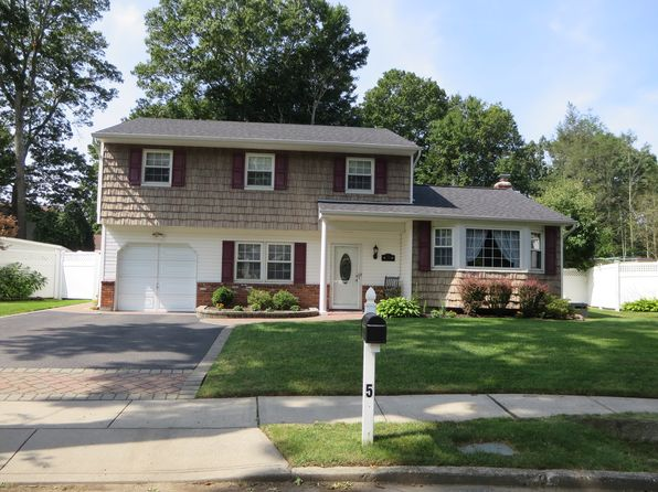 4 bed 3 bath Single Family at 5 RUWANER CT GREENLAWN, NY, 11740 is for sale at 525k - 1 of 38