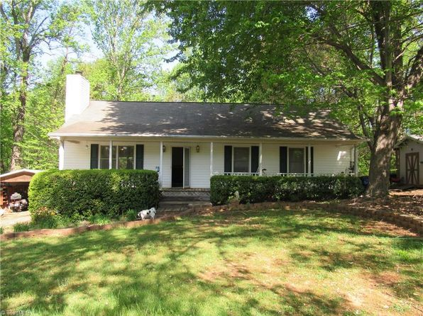 3 bed 2 bath Single Family at 233 Barlow Cir Winston Salem, NC, 27105 is for sale at 118k - 1 of 27