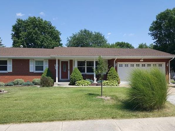 3 bed 2 bath Single Family at 2511 Poplar St Highland, IL, 62249 is for sale at 155k - 1 of 32