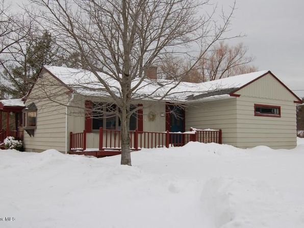 3 bed 2 bath Single Family at 170 FAIRVIEW ST LEE, MA, 01238 is for sale at 230k - 1 of 20