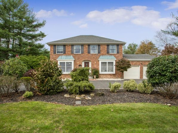 3 bed 4 bath Single Family at 30 Longacre Dr Huntington, NY, 11743 is for sale at 840k - 1 of 20