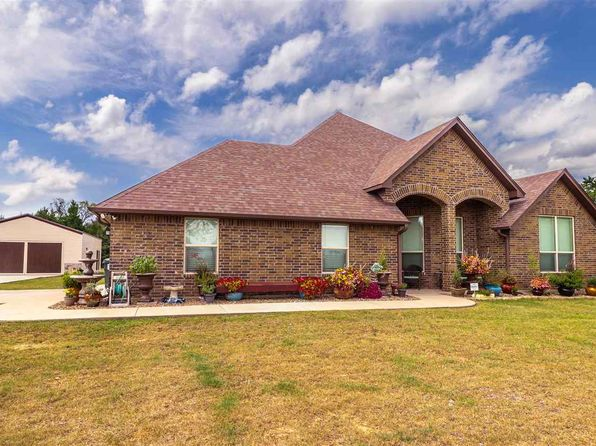4 bed 3 bath Single Family at 300 Deerfield Lake Cir Longview, TX, 75605 is for sale at 417k - 1 of 25
