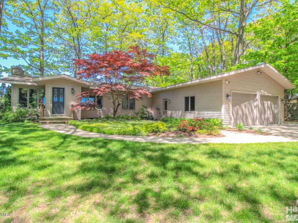 3 bed 3 bath Single Family at 2553 Scenic Dr Muskegon, MI, 49445 is for sale at 795k - 1 of 39