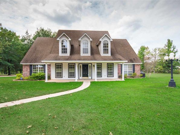 4 bed 4 bath Single Family at 4821 GILMER RD LONGVIEW, TX, 75604 is for sale at 415k - 1 of 25