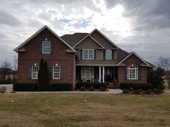 4 bed 4 bath Single Family at 110 Clover Hl Sweetwater, TN, 37874 is for sale at 439k - 1 of 19