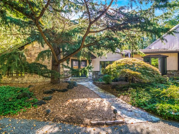 3 bed 3 bath Single Family at 3590 N Sugan Rd New Hope, PA, 18938 is for sale at 925k - 1 of 27