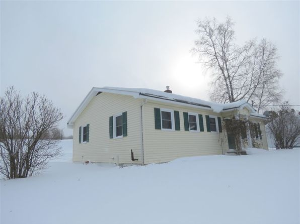 3 bed 2 bath Single Family at 751 MAIN ST DERBY LINE, VT, 05830 is for sale at 135k - 1 of 26