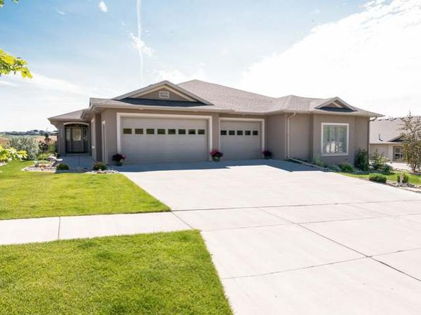 3 bed 3 bath Townhouse at 3309 Valley Dr Bismarck, ND, 58503 is for sale at 560k - 1 of 31