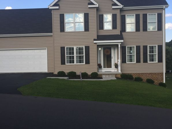 4 bed 3 bath Single Family at 140 MILES CIR BLUEFIELD, VA, 24605 is for sale at 265k - 1 of 12