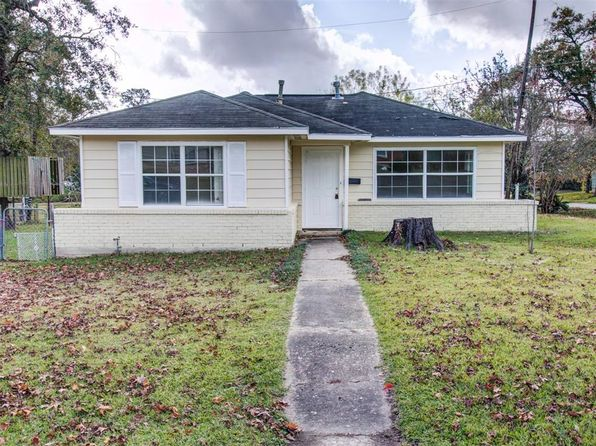 2 bed 1 bath Single Family at 13202 Laguna St Houston, TX, 77015 is for sale at 95k - 1 of 28