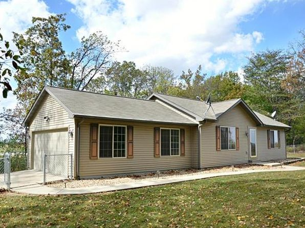 2 bed 2 bath Single Family at 1897 E 1700 Ave Brownstown, IL, 62418 is for sale at 211k - 1 of 17