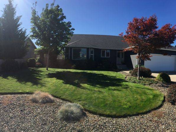 3 bed 2 bath Single Family at 125 Palomino Ave Roseburg, OR, 97471 is for sale at 298k - 1 of 22